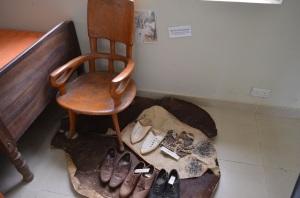 besagtes Ziegenfell mit originalem Schuhwerk :-)